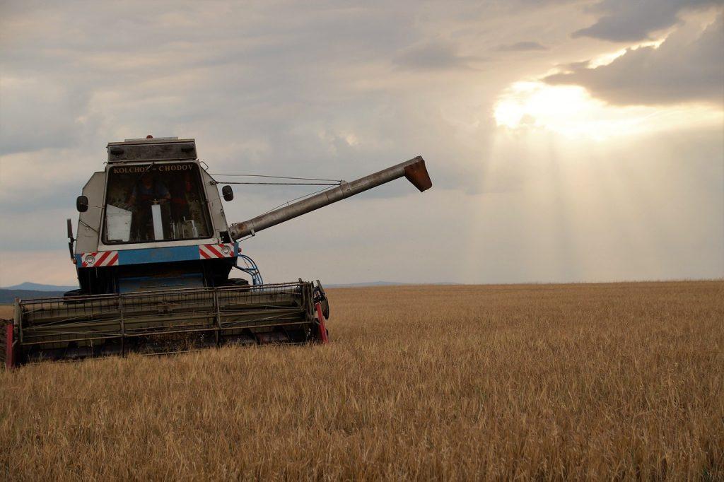 harvester 2678652 1280