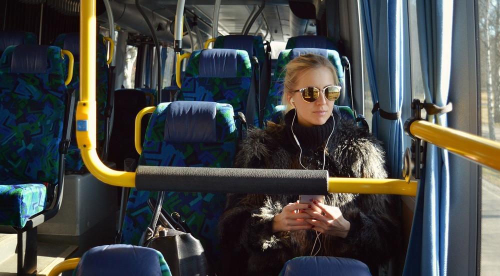 bus 2531578 1280 1