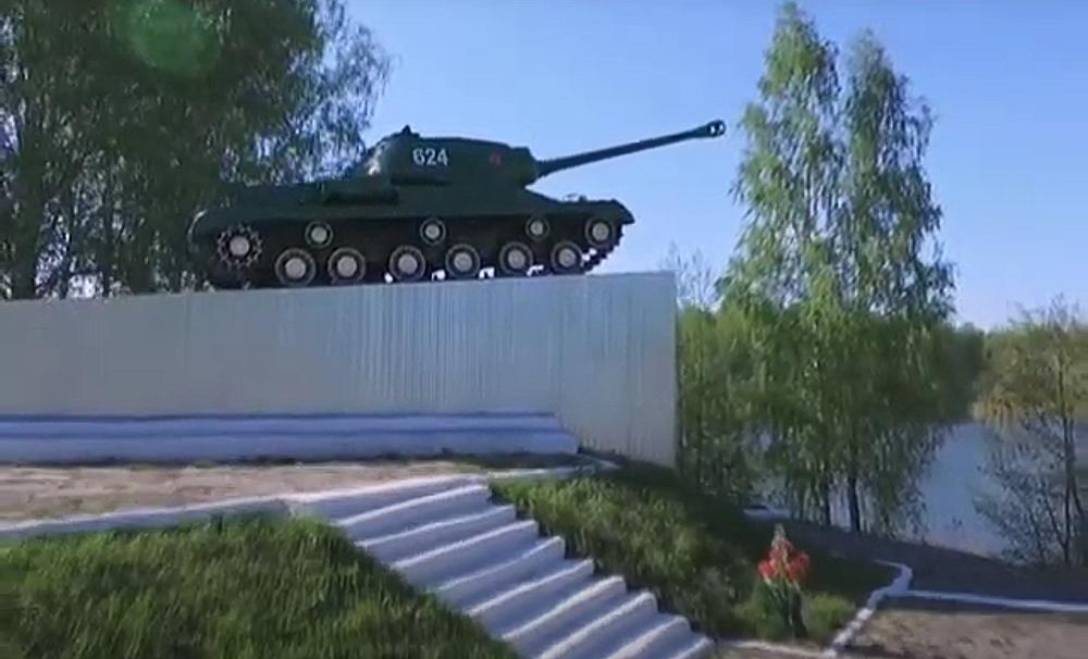 В Дубровке почти закончили реконструировать памятник танкистам