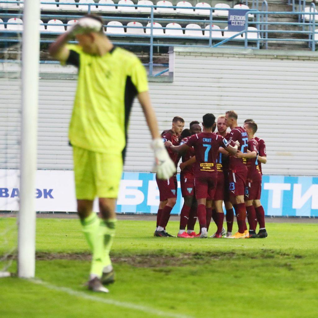 Брянское «Динамо» в кубковом поединке крупно проиграло «Велесу»