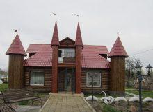 Супруги Валуевы из Рогнедино своими руками построили дом на загляденье