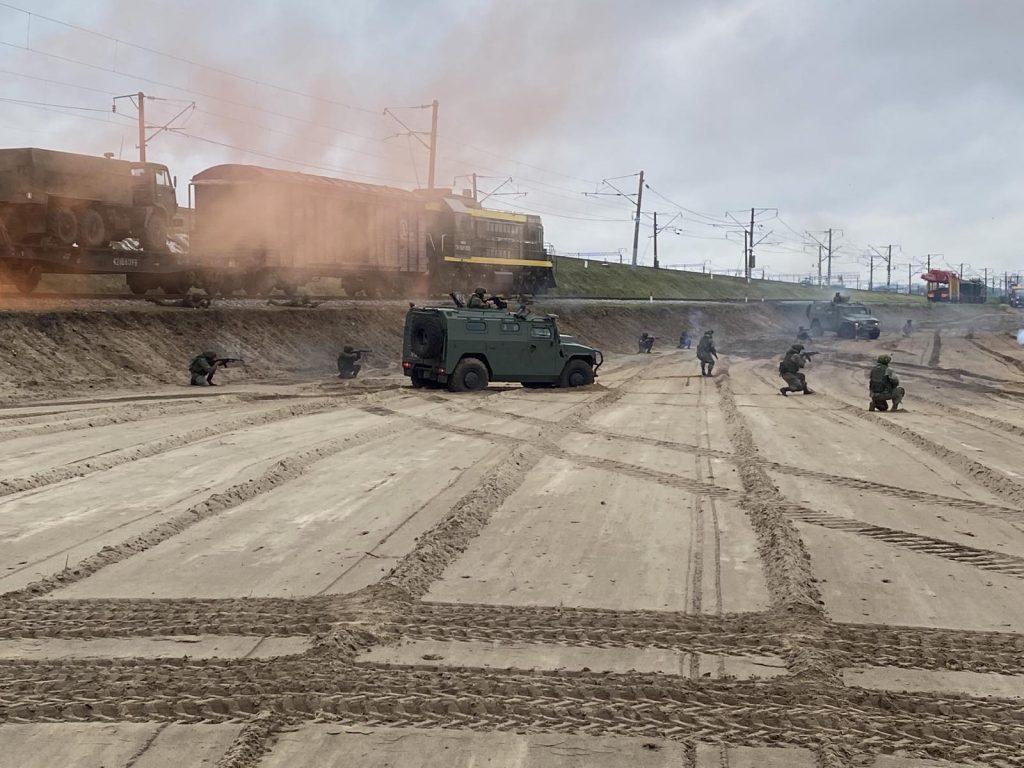 В Брянске военные железнодорожники отразили нападение диверсантов