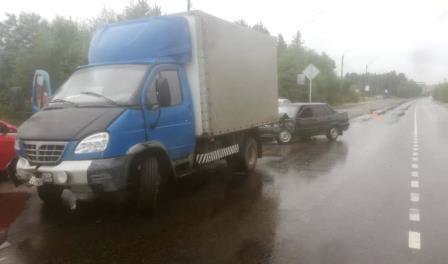 В Брянске «Газель» протаранила легковушку: ранен 31-летний водитель