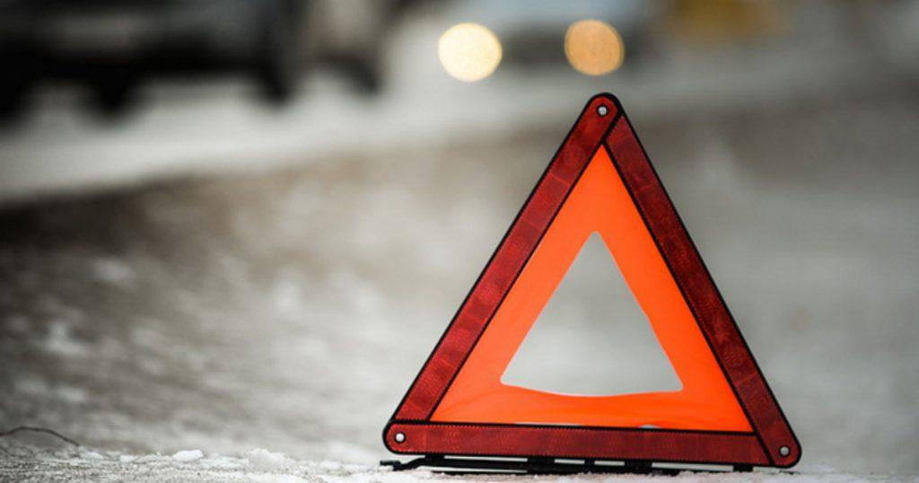 На брянской трассе легковушка влетела в фуру: погиб 49-летний водитель