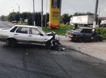 На брянской трассе пьяный пассажир схватился за руль и устроил ДТП