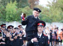 С Днем знаний брянских кадет поздравили полицейские
