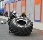 Брянские спасатели устроили пожарный кроссфит