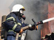 Из горящей квартиры в Сельцо пожарные спасли человека