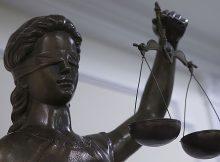 Жительницу Брянска осудят за смертельное ранение мужа
