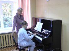 Клинцовская школа искусств впервые за 30 лет получила много музыкальных инструментов