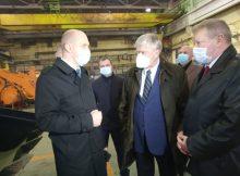 В Брянске посол России Евгений Лукьянов осмотрел продукцию компании «Амкодор»