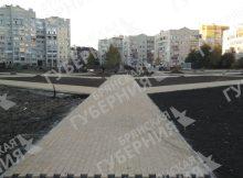 В Брянске в новом сквере Рекункова продолжается устройство газонов и дорожек