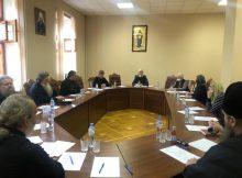 Настоятели храмов Брянска обсудили работу с молодежью на приходах