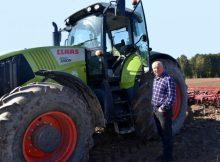 Руководитель брянского КФХ получил грант на развитие семейной фермы