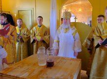 В брянском поселке Синезерки митрополит Александр освятил храм