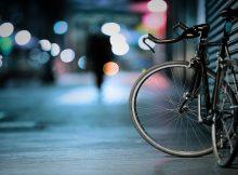 У жительницы Дубровского района украли припаркованный возле магазина велосипед